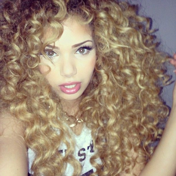 girl with #curls. #hair
