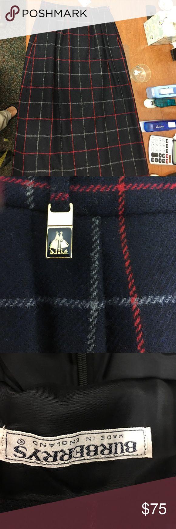"Vintage Burberry skirt 24"" waist 27.25 length plus 1"" waist band Burberry Skirts Midi"