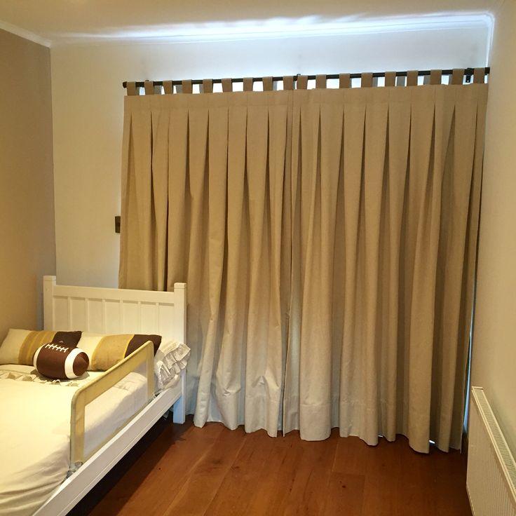 Colores tierra para la habitación de los mas pequeños,un toque moderno con estas lindas cortinas.