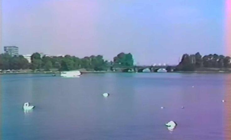 Alte Perle: Stadtrundfahrt durch das 1982er Hamburg https://www.langweiledich.net/stadtrundfahrt-durch-das-1982er-hamburg/