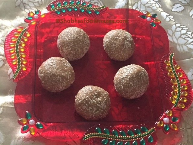 Shobha's Food Mazaa: TILGUR / TIL KE LADDOO / SANKRANTI SPECIAL