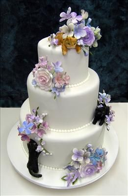 Collette's wedding cakes have CATS on them!!: Cat Wedding, Colette S Cakes, Colette Floral, Black Cats, Colette Cakes, Cakes Gm, Wedding Cakes, Kitty Cakes, Cat Cakes
