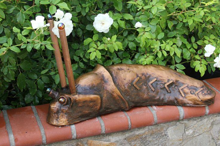 steve the slug, cast concrete garden art by danridersculpture.com