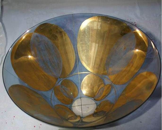Lubomir Blecha, glass bowl produced for XI. Triennale Milano, light-smoked glass decored by gold, 1957, H: 18,0 cm, D: 28,0 cm, executed by Bohumil Blecha glass rafinery in Kamenicky Senov (Steinschoenau), UMPRUM Prague, (Museum of decorative Arts, Prague), Czechoslovakia