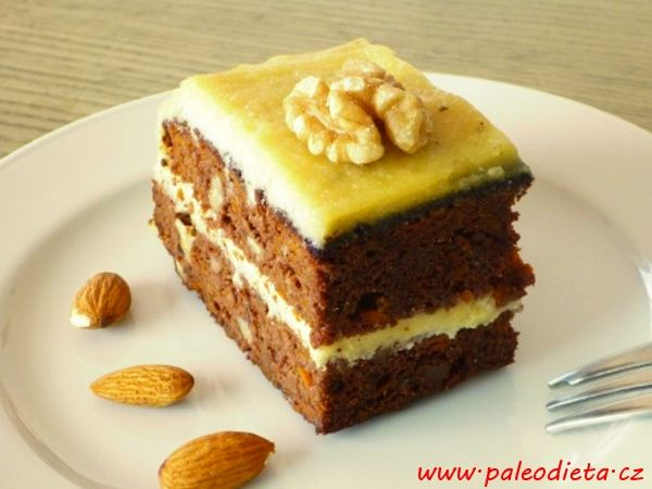 Mrkvový dort s mandlovým krémem ~ PALEO DIETA: Recepty pro dlouhý a spokojený život bez omezování