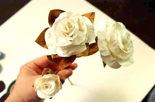 How to Make Paper Flowers.... They look amazing and last forever!