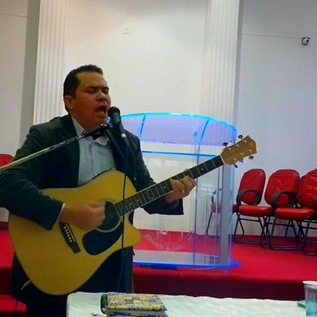 #eliasba #adoracao #musica #evangelico bom dia povo abençoado na paz do senhor Jesus Cristo, Fui crucificado com Cristo. Assim, já não sou eu quem vive, mas Cristo vive em mim. A vida que agora vivo no corpo, vivo-a pela fé no filho de Deus, que me amou e se entregou por mim.