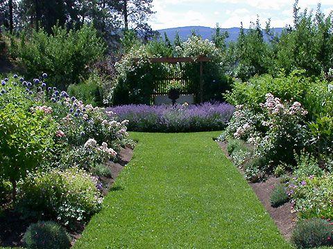 Elysium Gardens - Kelowna Hotels, Wine Tours, Golf, Restaurants - Tourism Kelowna