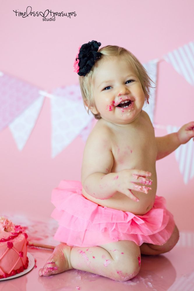 30 best fun children photo ideas for indoors on plain backdrops diy cake smash solutioingenieria Gallery