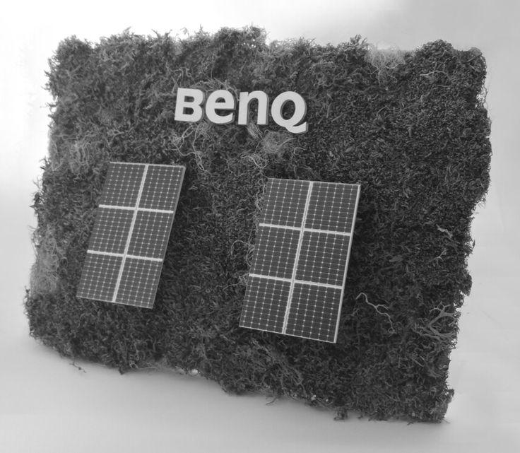 Billboard BenQ. Het mos op de achtergrond staat voor de steeds groener wordende zonne-energie die de nieuwste panelen produceren