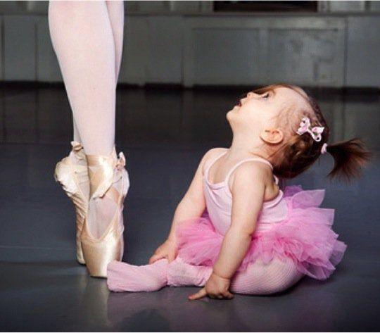 Ser mãe de menina e de menino é maravilhoso mas são duas experiências diferentes. Algumas mulheres sonham ter uma princesa desde pequenas, sonham ter uma m