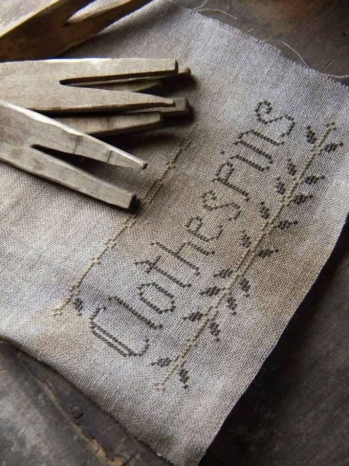 Kreuzstichstickerei für Wäscheklammerbeutel_ farmhousenotforgotten.  cross-stitch embroidery for clothspins bag_ farmhousenotforgotten.