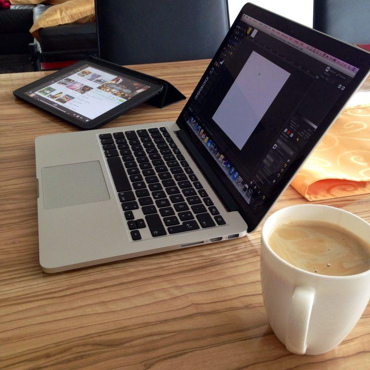 """iPad Air, MacBook Pro Retina 13"""" aaaaand Coffee ☕️"""