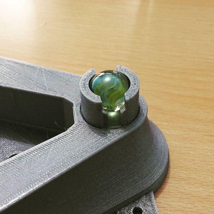 Mau pakai Roda Caster untuk robot? Tinggal di 3DPrint dan pakai kelereng aja :D  #3DPrinting #3dprint #robot #marble #diy #makers #robotics by zerfani