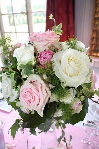 17 best images about decoration fleurs mariage on pinterest bridal bouquets bouquets and pastel. Black Bedroom Furniture Sets. Home Design Ideas