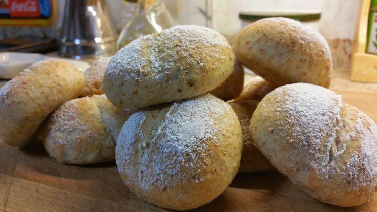 la cocina de Tina: PANECILLOS INTEGRALES AROMATIZADOS CON ALBAHACA