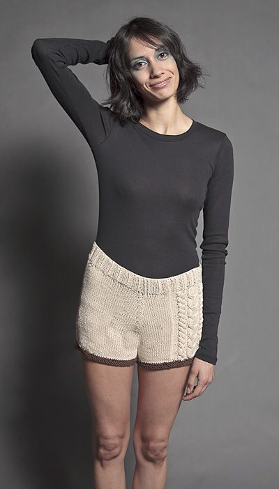 Knit Shorts Pattern : 1000+ images about Knit Pants on Pinterest Free pattern, Cable and Lady