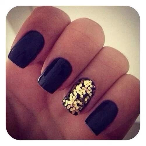 black nailsand gold glitter on one nail this is so easy to do you dont even need gold glitter nail polishjust paint your nails and while its still