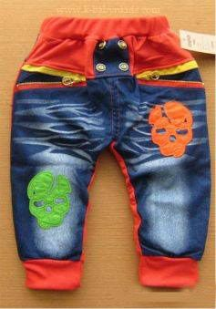 PRODUCT NAME : Denim Skull Pants  DESCRIPTIONS : Celana bahan denim dengan motif skull