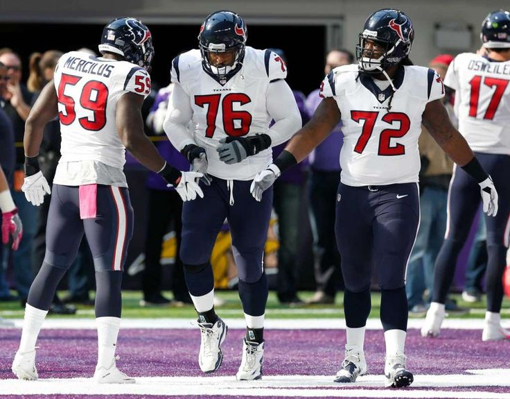 Texans vs. Vikings:  October 9, 2016  -  31-13, Vikings.     Houston Texans outside linebacker Whitney Mercilus (59) greets Houston Texans tackle Duane Brown (76) as he he runs onto the field before an NFL football game at U.S. Bank Stadium on Sunday, Oct. 9, 2016, in {city. Brown will suit up for the first time since suffering an injury last season. Photo: Brett Coomer, Houston Chronicle / © 2016 Houston Chronicle