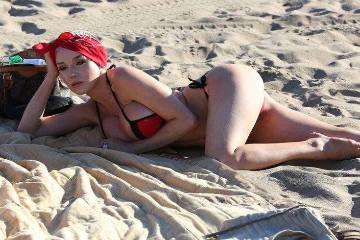 courtney-stodden-bikini-areola-slip-in-venice-29