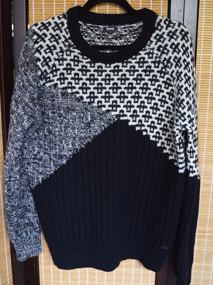Roots Canada XL Black & White geometric crew neck pullover sweater