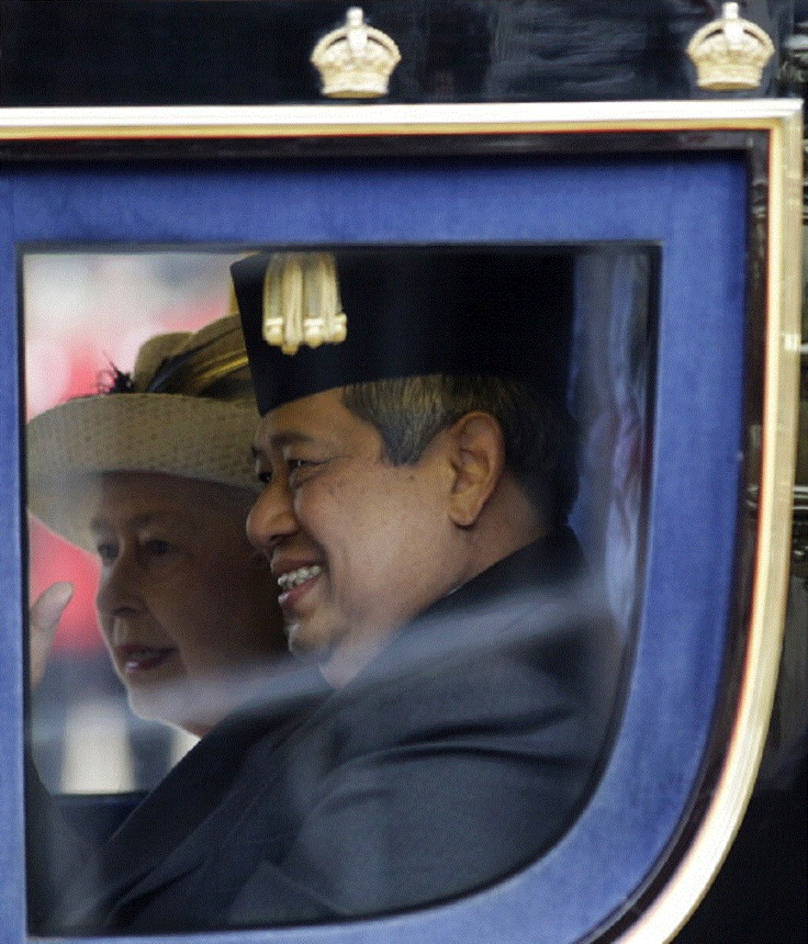 Oct 31 - President of the Republic of Indonesia Susilo Bambang Yudhoyono sits alongside Britain's Queen Elizabeth II in a state carriage procession along the Mall to Buckingham Palace