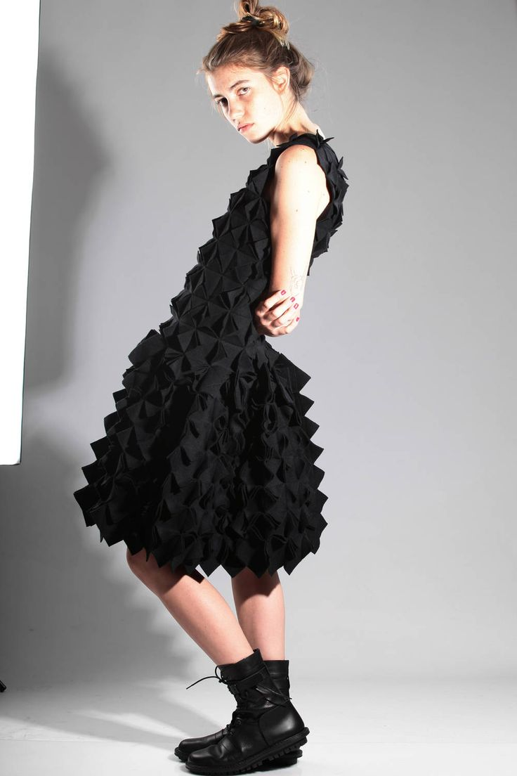 YOHJI YAMAMOTO - 3D Origami Dress :: Ivo Milan