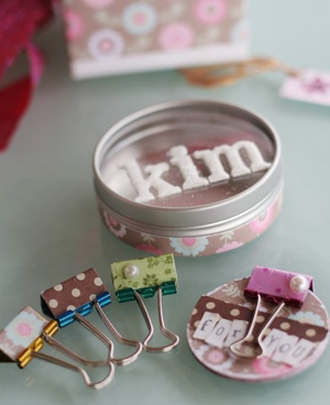 Mini clips and notebook in a tin - on the Etz blog