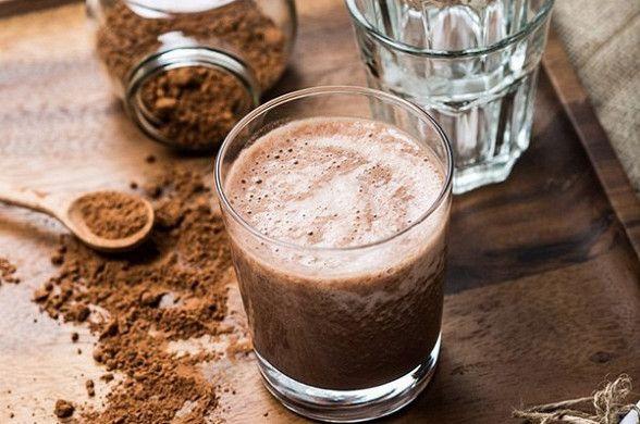 Шоколадно-банановый смузи рецепт – напитки. «Афиша-Еда»