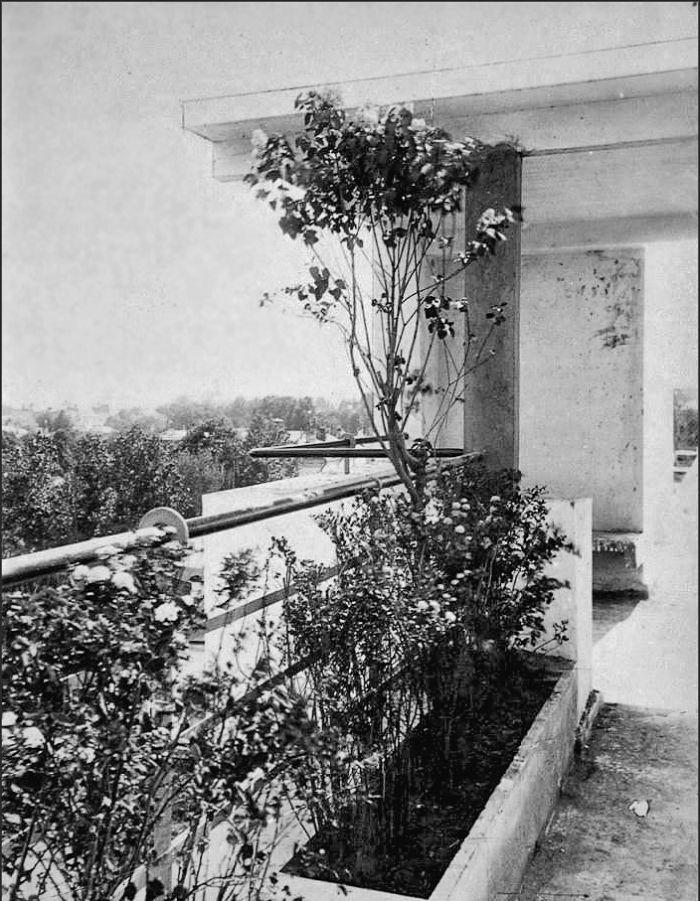 Moisei Ginzburg, Gosstrakh apartment complex in Moscow (1926) | The Charnel-House