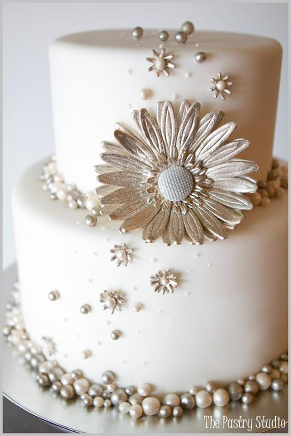 edible silver pearls for wedding cake 17 best images about silver pearsl wedding cakes on 13915