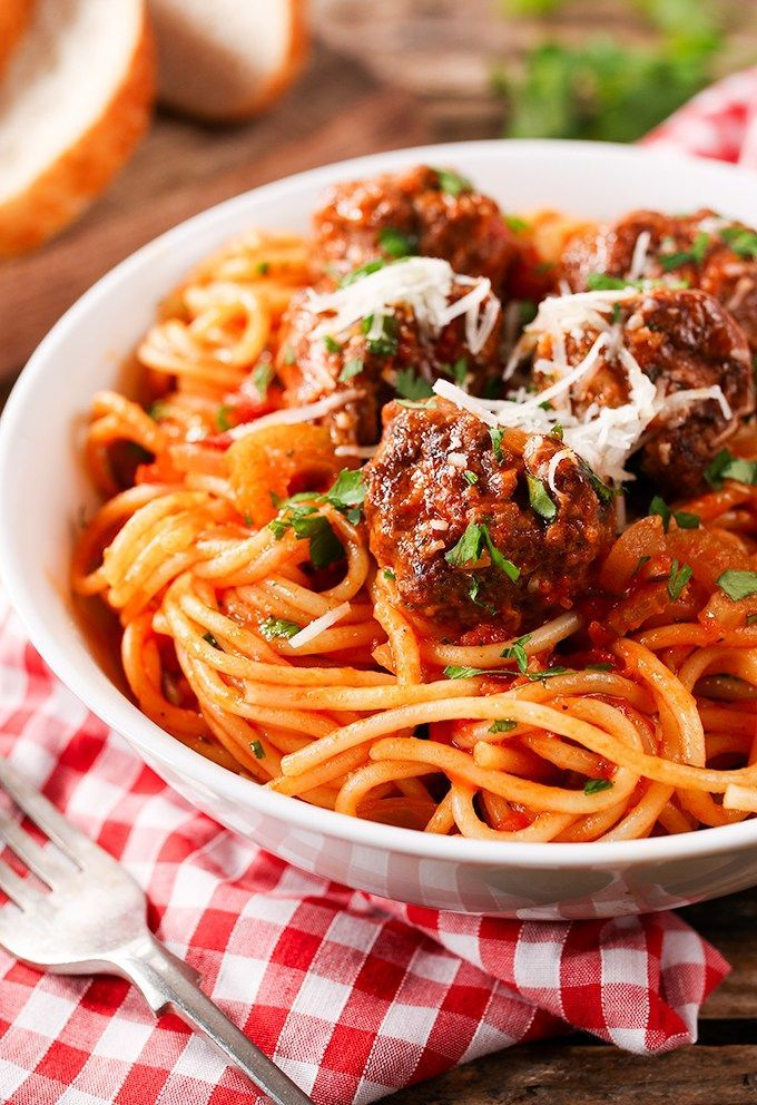 Meatballs and spaghetti cooked together in one pan – less washing up yay!                                                                                                                                                      More