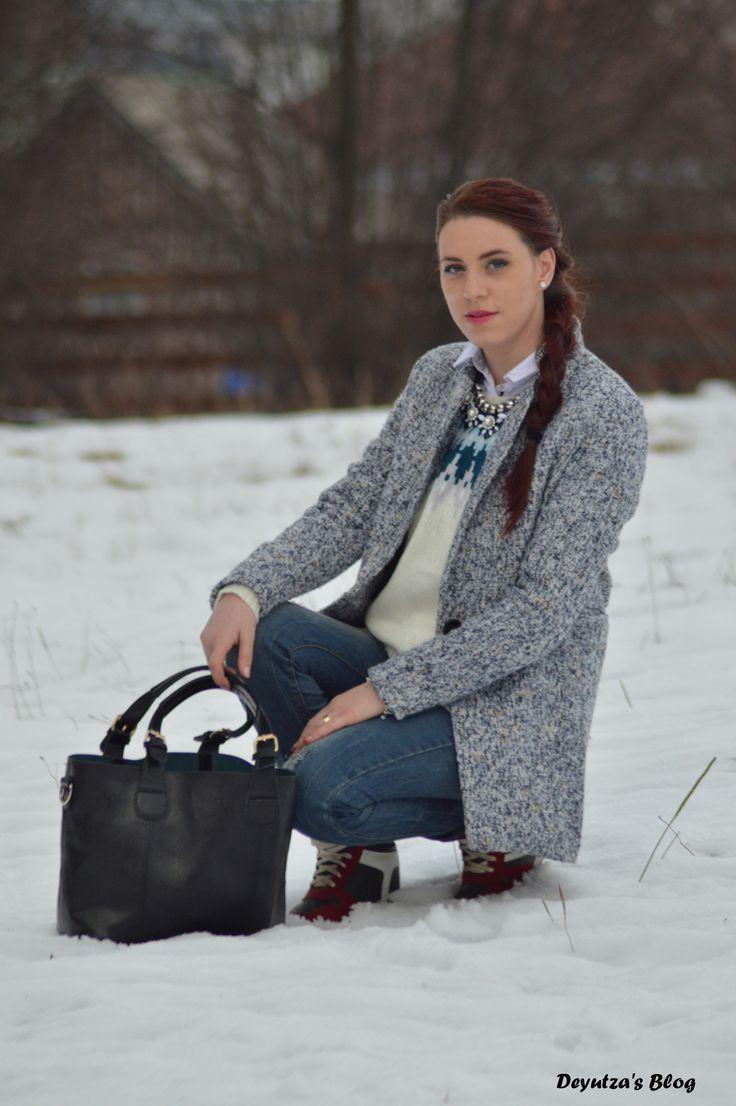http://www.shein.com/White-Crew-Neck-Print-Sweater-p-250099-cat-1734.html?utm_source=deyutza87.blogspot.ro&utm_medium=blogger&url_from=deyutza87  #outfit #ootd #blackleather #bag