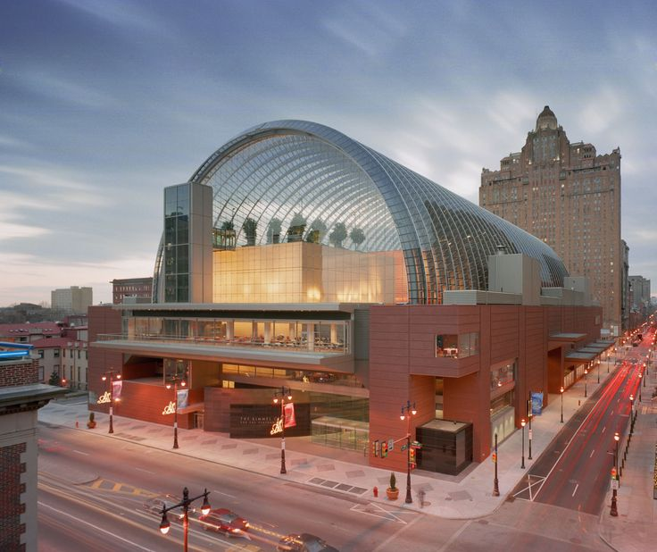 Kimmel Center for the Performing Arts | Rafael Viñoly Architects | Street view. Photo: Jeff Goldberg / Esto