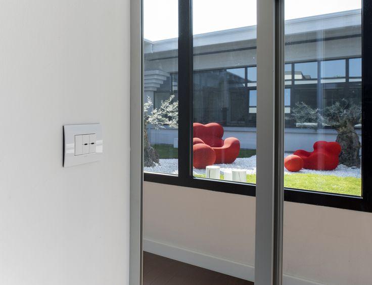 Particolare Arké, la domotica By-me di #Vimar trasforma l'ex sede di un'azienda tessile in un edificio 4.0. Scopri di più → https://www.vimar.com/it/it/software-house-bassano-del-grappa-13031172.html