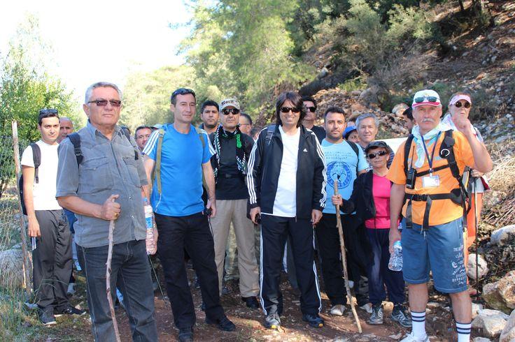 Antalya Büyükşehir Belediyesi, doğaseverlerin katılımıyla Ulupınar-Çıralı-Olimpos etabında doğa yürüyüşü gerçekleştirdi. 9 kilometrelik etapta katılımcılar tabiatın güzellikleri içerisinde kent atmosferinden uzak bir gün geçirdi. Büyükşehir Belediyesi, halkın sosyal, kültürel ve sportif yaşantısına katkı sağlamak, Antalya'nın doğal ve tarihi güzelliklerini vatandaşlarla fiziksel aktivite yoluyla buluşturmak amacıyla her ay ücretsiz doğa yürüyüşleri düzenliyor. Bu kapsamda ...