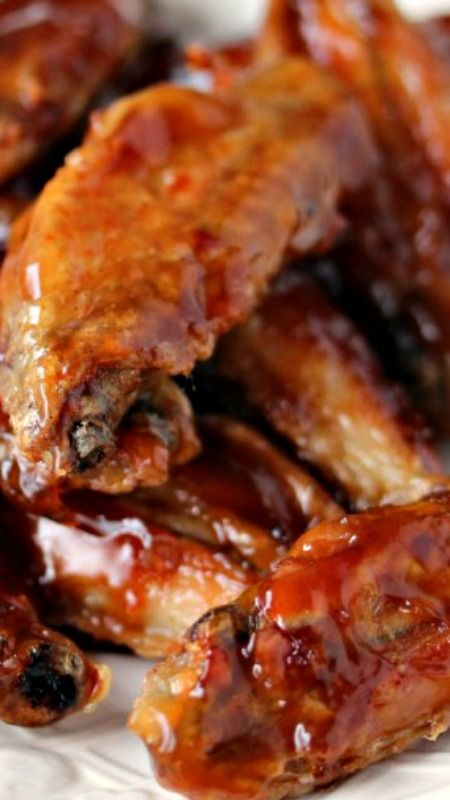 Root Beer Chicken Wings ~ Sweet and sticky... They are totally easy to make and absolutely delicious!