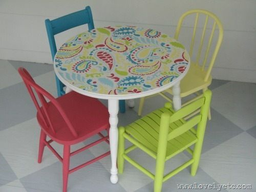 Love this bright and cheery mini table and chairs!  That's a DIY stencil on the table top - I might have to try this on my ikea tables in the kitchen.