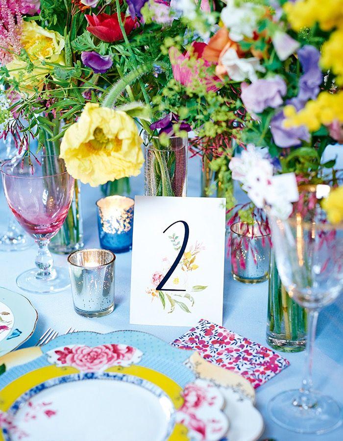 幸せあふれる、世界一のウエディングテーブル。【カラフル編】──サマーウエディングを咲き誇る花々が祝福!