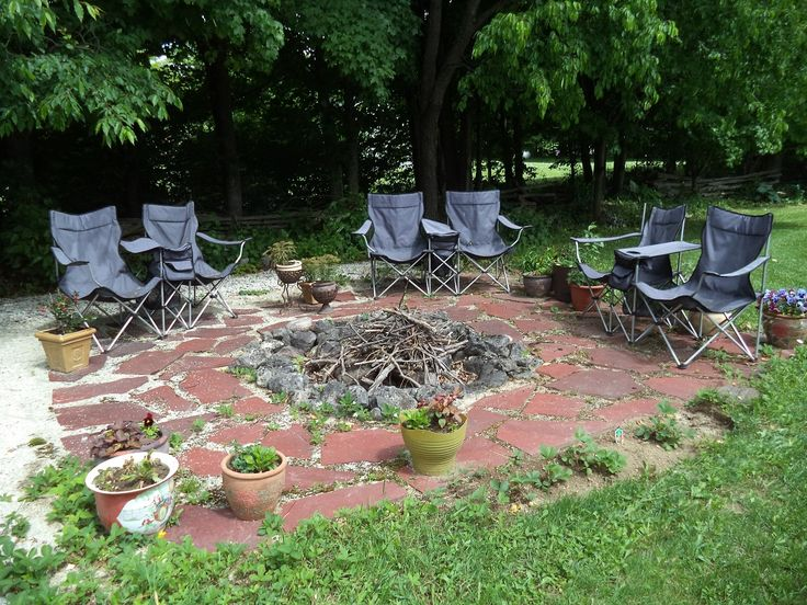Eugenia Falling Waters Bed & Breakfast is located a short walk from Lake Eugenia and Eugenia Falls.  Enjoy a campfire in the backyard.