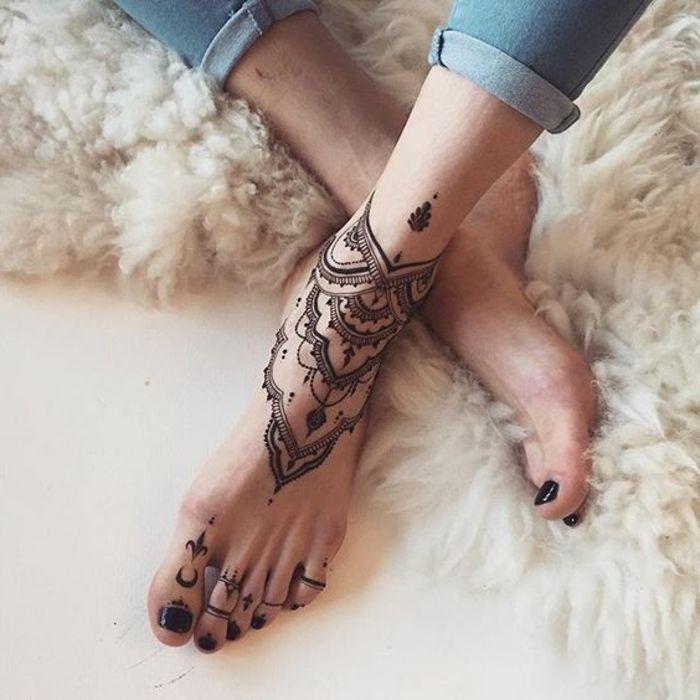 les 25 meilleures id es de la cat gorie tatouage bracelet cheville sur pinterest tatouages. Black Bedroom Furniture Sets. Home Design Ideas