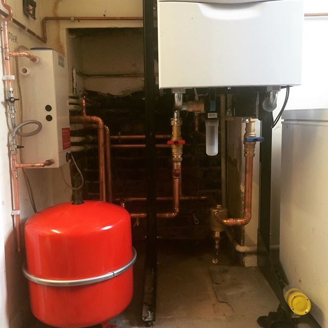 Little space little time just a few finishing touches and were done. #boiler #installation #hampshire