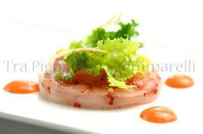 Carpaccio di gambero rosso, con la sua maionese, indivia, finocchio e fiocchi di sale