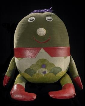 """Humpty"" - one of the 'stars' of the 1980s childrens TV programme Play School. Museum of New Zealand Te Papa Tongarewa (www.tepapapicturelibrary.co.nz)"