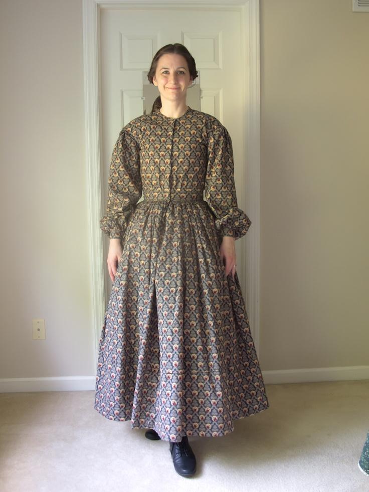 1840ish dress - pioneer trek