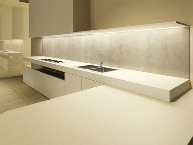 Fabulous minimalist kitchen by Minimal Cucine    featured by www.minimalistspace.com