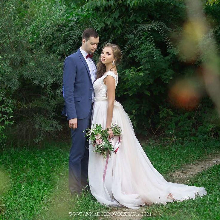"""Всем доброго вечера! Хочу напомнить что уже идет бронь свадебных дат на 2017 год. А еще до 25.12.2016 я возьму 3 пары по цене этого года но со всеми """"вкусняшками"""" следующего) Это будет просто невероятно красиво! Цены и портфолио на моем сайте annadobrovolskaya.com   #vscorostov #vscornd #vscowedding #такяснимаю  #ростовнадону #wedding_daily #annadobrovolskayaphotography #lightandair #свадебныйфотограф #свадебныйфотографростовнадону #фотографвростове #фотосессияростов #фотографнасвадьбуростов…"""