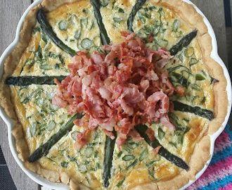 Sparrispaj med ramslök och bacon