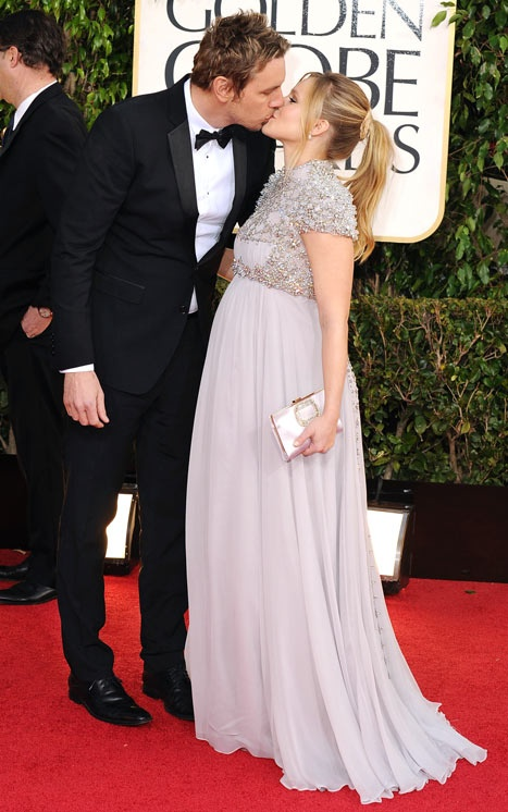 Kristen Bell in a glamorous maternity dress at the Golden Globes